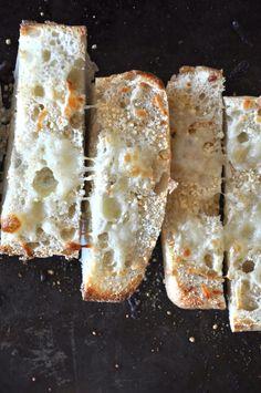 Cheesy Garlic Ciabatta by minimalistbaker #Ciabatta #minimalistbaker