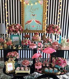 Olhem, noivinhas, Um Chá Bar com tema Flamingo! Perfeito! Por @marmelodecor. Decoração linda da @betesichieri #chabar #decoracaoflamingo #bomgosto #betesichieri #marmelonaminhafesta #piradaemfesta