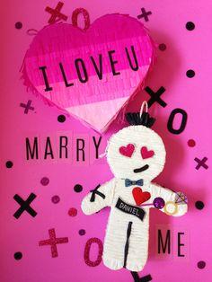 The Hex Doll / Anti San Valentines Day / Voodoo Doll / I hate valentines day / Party Ideas / Muñeco Vudu / Fiesta de San Valentin/ piñata / pinata