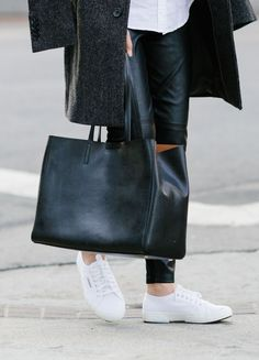 Upgrade your fall wardrobe with a structured leather bag a la @Ann Kim. Banana Republic's Larkin Tote goes with everything.