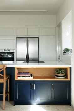 """מטבח שעוצב על ידי בזלת אדריכלים – אנוק רון ושירה דרומי (יח""""צ , גדעון לוין) Kitchen Cabinets, Design Ideas, Home Decor, Kitchens, Decoration Home, Room Decor, Cabinets, Home Interior Design, Dressers"""