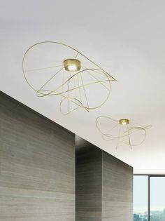 Hoops is the new collection designed by Giovanni Barbato for Axo Light. #Hoops comprise hanging lamps and ceiling lamps with interchangeable elements in three different shapes and sizes. The hanging lamp can light upward and downward at the same time. #AxoLight #lighting #design