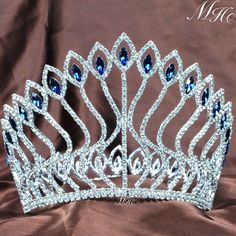 Details about Large Contoured Pageant Tiara Blue Rhinestone Crown Wedding Prom Party Costumes Rhinestone Headband, Rhinestone Wedding, Crystal Rhinestone, Crystal Wedding, Pageant Crowns, Tiaras And Crowns, Prince Héritier, Prom Hair Accessories, Bridal Tiara