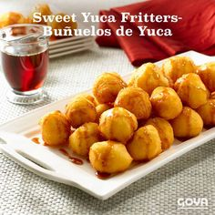 Sweet Yuca Fritters – Buñuelos de Yuca In many Latin American desserts Yuca Recipes, Honduran Recipes, Cooking Recipes, Latin American Food, Latin Food, Goya Recipe, Venezuelan Food, Venezuelan Recipes, Honduras Food