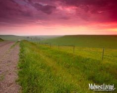 Hues of pinks and purples fill the sky in the Kansas Flint Hills. This picture makes me think of watermelon! Beautiful Sky, Beautiful World, Beautiful Places, Pretty Photos, Cool Photos, Landscape Photos, Landscape Photography, Desktop Photos, Flint Hills