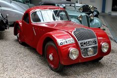 Vintage Cars, Antique Cars, Small Motorcycles, Bicycle Rack, Biker Clubs, Motorcycle Design, Classic Cars, Vehicles, Bikers