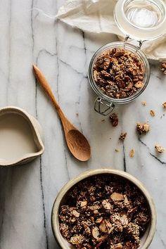 Honey Almond Quinoa Granola by Pastry Affair Breakfast Desayunos, Breakfast Recipes, Quinoa, Honey Almonds, Toasted Almonds, Healthy Snacks, Healthy Recipes, Good Food, Yummy Food