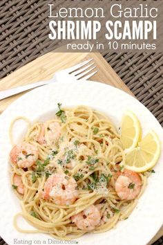 You are going to love this Lemon Garlic Shrimp Scampi Recipe. Lemon shrimp scampi recipe is ready in just 10 minutes! Garlic shrimp scampi recipe is one of our favorite shrimp recipes.Try this simple and quick recipe today for a healthy meal idea! Quick Shrimp Scampi Recipe, Garlic Shrimp Scampi, Easy Shrimp Scampi, Shrimp Linguine, Seafood Pasta, Chow Mein, Seafood Recipes, Pasta Recipes, Cooking Recipes