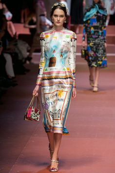 fa7e78e5e5 Dolce  amp  Gabbana Fall 2015 Children s Drawings Prints Fall Trends