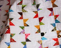 Selvage Blog: Bunting Quilt and Pattern! I love everything Karen Griska does.