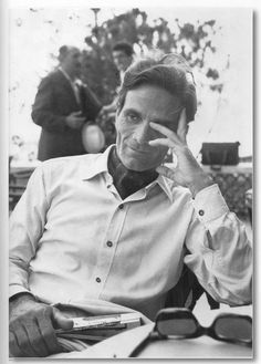 Pier Paolo Pasolini (* March 1922 in Bologna; † November 1975 in Ostia), Film director, author, poet, intellectual. Adorable and BAMF. Einstein, Victor Fleming, Pier Paolo Pasolini, Hollywood Men, Popular People, Book Writer, Playwright, Black And White Portraits, Film Director