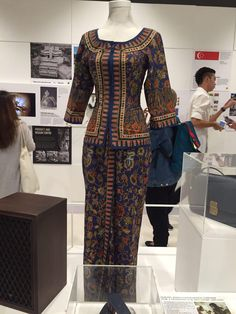 The Singapore Airlines (SIA) flight Stewardess uniform was inspired by the sarong kebaya which is a traditional uniform in Singapore. It is made with batik material to provide comfort and reflects Singapore's heritage. What is unique about the uniform is that, each and everyone of it is tailored and it is designed by Pierre Balmain.