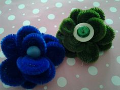 Pipe cleaner flower hairclip :)
