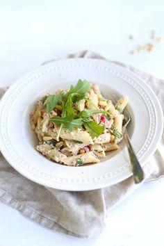 Pastasalade met tonijn en rucola Italian Chopped Salad, Chopped Salad Recipes, Pasta Salad Italian, A Food, Good Food, Vegetarian Recipes, Healthy Recipes, Everyday Food, Pasta Recipes