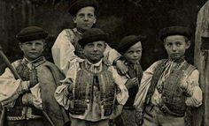 Chalani z Heľpy, rok 1932 Boys from Heľpa, year 1932