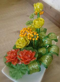 Beaded flowers گلدان گل منجوقی