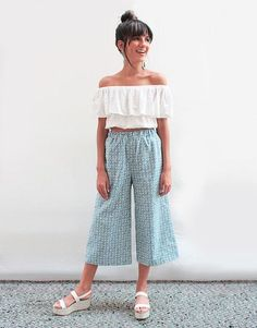 Culotte with off-shoulder crop Style Outfits, Summer Outfits, Fashion Outfits, Square Pants, Fashion Looks, Girl Fashion, Womens Fashion, Look Chic, Minimal Fashion