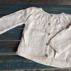 image Sweater Knitting Patterns, Knit Patterns, Baby Knitting, Girls Knitted Dress, Knit Cardigan Pattern, Girls Sweaters, Girl Outfits, Shirts, Toddler Girl