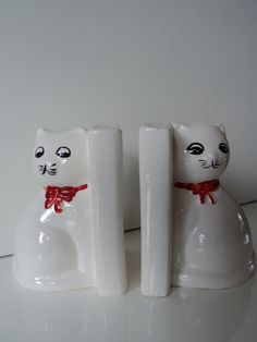 Vintage cat bookends by Veryodd on Etsy