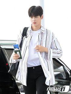 [29.07.16] Incheon Airport heading to Los Angeles - EunWoo