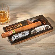 Bourbon Gifts, Whiskey Gifts, Cigars And Whiskey, Bourbon Drinks, Cigar Party, Cigar Box Crafts, Cigar Humidor, Cigar Ashtray Diy, Cigar Holder