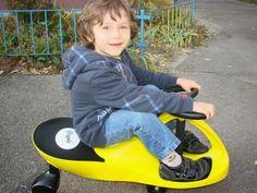 Zwyczajna mama: Grawitacyjny jeździk Plasma Car  http://www.zwyczajnamama.blogspot.com/2013/11/grawitacyjny-jezdzik-plasma-car.html