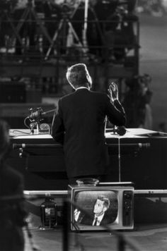 Garry Winogrand. JFK at the Democratic National Convention, Los Angeles, 1960.