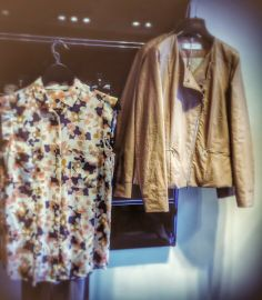 Què us sembla la jaqueta? A nosaltres ens encanta!  ¿Qué os parece la chaqueta? ¡A nosotros nos encanta!