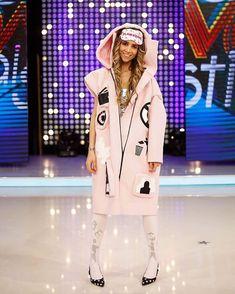 EDITIA 93 All Star, Stars, Coat, Jackets, Outfits, Instagram, Fashion, Down Jackets, Moda
