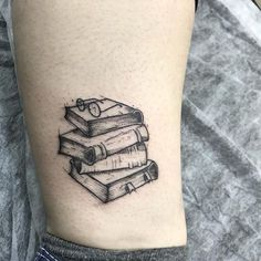 39 Gorgeous Harry Potter Tattoos That Will Make You Say I Want That Accio ink! Tattoo Buch, Mädchen Tattoo, Tattoo Motive, Neue Tattoos, Bild Tattoos, Body Art Tattoos, Tatoos, Bookish Tattoos, Literary Tattoos