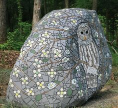 Wildlife mosaic by Erick Davis, created with recycled materials and hand-tiled mosaics. I must do this as SOON as I can manifest a good sized boulder. Mosaic Rocks, Stone Mosaic, Mosaic Glass, Stained Glass, Glass Art, Owl Mosaic, Mosaic Birds, Mosaic Art, Mosaic Crafts