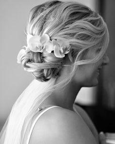 Beach wedding hair #CupcakeDreamWedding
