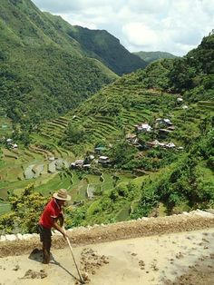 The Philippine Bucket List: 20 Challenges Every Filipino Traveller Must Complete Banaue Rice Terraces, Places To Travel, Places To Go, Subic Bay, List Challenges, Bohol, Across The Universe, Philippines Travel, Cebu