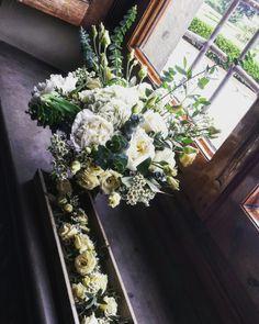Bride bouquet and bottoniere