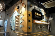 http://retaildesignblog.net/2015/10/21/coffee-jobs-by-will-design-hong-kong-china/