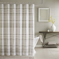 Ink+ivy Lakeside 100-percent Shower Curtain