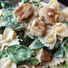 Chicken and Spinach Farfalle @keyingredient #cheese #chicken #tomatoes
