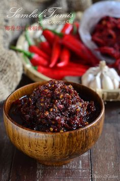 Violet's Kitchen ~♥紫羅蘭的爱心厨房♥~ : 椰香叁巴辣椒酱 Sambal Tumis with Coconut Oil Chilli Recipes, Gourmet Recipes, Cooking Recipes, Laos Desserts, Sambal Recipe, A Food, Food And Drink, Homemade Spices, Malaysian Food