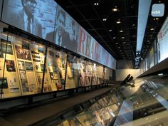 newseum_washington_dc_museum_design_interior_graphic_project_24.jpg (800×600)