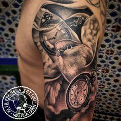 Tatuaje para nuestro amigo @Alfonso Serrano en Alta Escuela Tattoo de Javi Metetintas, que disfrutéis de la Semana Santa. Buenas noches a todos, más en www.altaescuelatattoo.com