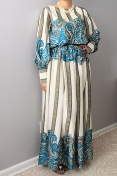 Check out this item in my Etsy shop https://www.etsy.com/listing/220013907/beautiful-classic-silk-maxi-dress-with