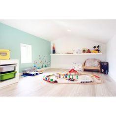 asuさんの、棚,IKEA,子ども部屋,ロフト,ウォールステッカー,アクセントクロス,ロフトスペース,プレイルーム,カラコロツリー,のお部屋写真 Kid Spaces, Kidsroom, Cozy House, Second Floor, Kids And Parenting, Playroom, Baby Kids, Toddler Bed, Kids Rugs