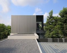 YAK01 House by Ayutt and Associates