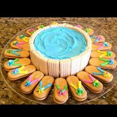 Swimming Pool Cake with Flip Flop Cookies for Summer! Summer Treats, Summer Desserts, Summer Recipes, Flip Flop Cookie, Flip Flop Cakes, Flip Flop Cake Ideas, Flip Flop Craft, Party Snacks, Food For Pool Party