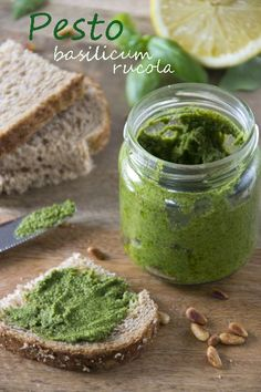 Pesto basilicum rucola txt 2 Tapenade, Food Inspiration, Free Food, Pickles, Cucumber, Side Dishes, Healthy Recipes, Healthy Food, Dips