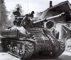 """British """"Sherman Firefly"""" is trying to pretend to be normal """"Sherman"""""""