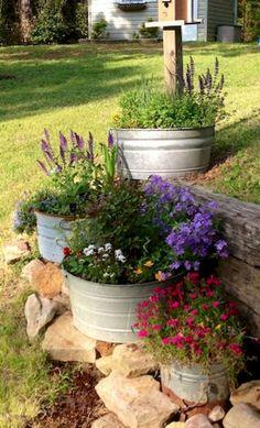 Beautiful Front Yard Rock Garden Landscaping Ideas - Garden Care, Garden Design and Gardening Supplies Landscaping With Rocks, Front Yard Landscaping, Backyard Landscaping, Backyard Ideas, Florida Landscaping, Porch Ideas, Wooden Garden Planters, Garden Shrubs, Garden Tub