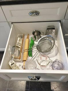 Deep, wide drawers are handy in kitchen cabinetry Kitchen Drawers, Cabinet Drawers, Kitchen Cabinetry, Kitchen Items, Diy Kitchen, Cabinets, Kitchen Elevation, Hide Tv Cables, Kitchen Organization