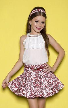 Skirt and children's shirt sets - girl diforini moda infanto juvenil 121352 Little Girl Outfits, Kids Outfits, Cute Outfits, Young Fashion, Kids Fashion, Fashion Outfits, Cute Young Girl, Girls World, Tween Girls
