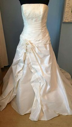 ♡ Happy Life, Wedding Dresses, Fashion, The Happy Life, Bride Dresses, Moda, Bridal Gowns, Fashion Styles, Weeding Dresses